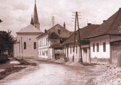 Príjazdová cesta do mesta od Trstenej.