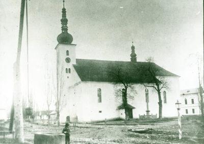 Murovaný kostol bol stavaný takmer 150 rokov